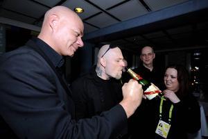 Håkan Hemlin 2008 tillsammans med sin dåvarande manager Michael Brinkenstjärna, som dömdes till ett och ett halvt års fängelse i samma dom som Hemlin.