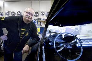 Utställning. Kent Forschner och Yankee Car Club satsar på en motorkväll i Mellsta.