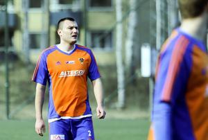 Alen Bahonjic är på väg mot sin gamla form och agerade med pondus i mötet med Mora.