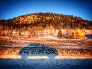 Februari: Lämnar Offerdalen för en ny vända till Umeå. Det ser ut att bli en fin dag.