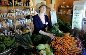 Ås trädgård höll öppet hus under lördagen för att fira sommarens skörd. Jorun Olsson, som arbetar på gården, konstaterade att skörden tog rejäl fart under rekordvarm juli.