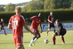 Njogu Demba Nyrén hade mycket boll i första halvlek, men tröttnade i andra och byttes ut med 20 minuter kvar.