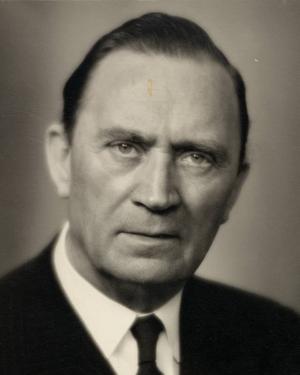 """Gävlesonen Gösta Sandin startade AB Svensk Talfilm och producerade ett stort antal svenska filmklassiker,  bland annat """"Rännstensungar"""" och """"Åsa-Nisse""""."""