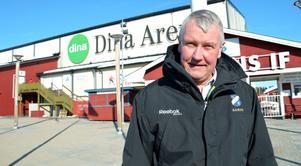 Stefan Karlsson, sportchef i Edsbyn, har fler krokar ute, gärna med en anfallare på kroken när det väl nappar...
