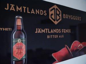 Inte nog med att flaskorna blir mindre, bryggeriet ska kommer också att byta logotyp.