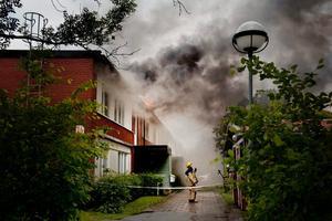 Under ungefär ett halvår kommer de boende ha fått leva i tillfälliga bostäder efter den kraftiga branden.