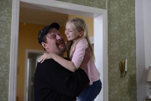 Rolf Lassgård spelar Bjarne som är familjefar och en man med planer som dock inte alltid blir av.