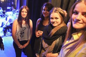 Sanna Fernquist, Nadia Skhiri, Åse Björk och Hanna Eriksson var lagom nervösa före konserten.