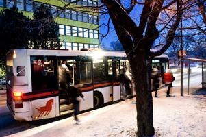 Nobina lämnar länets kollektivtrafik i protest mot Dalatrafik, det skrev DT den 3 maj. Nu kommer Region Dalarnas bas Göran Carlsson med moteld i bussbråket - Nobina ska ha krävt ett enskilt möte om upphandlingsförfarandet. Ett möte som Carlsson menar att det var omöjligt att tillmötesgå.