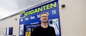 Leif Fredholms nyinköpta dator innehöll två porrfilmer. Nu har han fått ersättning från affären.