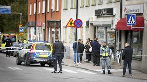 Polisens avspärrning på Nygatan efter rånet.