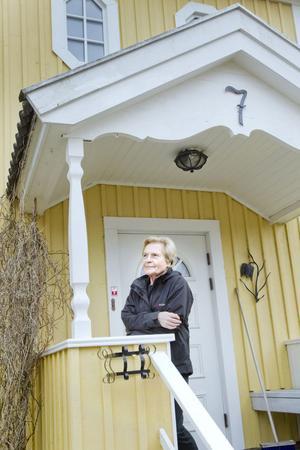 Monica Lidén var VD-sekreterare på Ahlgrens och bor nu i villan som Robert renoverade.
