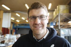 Enligt Tomas Jonsson, vd Hassela Skogsprodukter, krävs en utbyggnad för att klara av efterfrågan på företagets produkter.