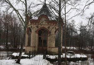 Lusthuset. Här vill Föreningen Hyttan renovera varsamt.