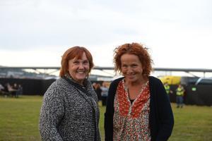 Martina Lundin och Annica Kristoffersson har åkt från Svenstavik utanför Östersund för att se Carola.