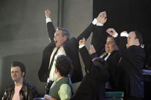Glada Hudik-teatern planerar att uppträda i New York.