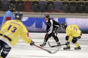 Daniel Mossberg spelade sini 400:e match för SAIK när laget vann mot Tellus med 8–2.