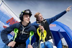 Filip Vennerström (tv), Sundsvalls SLK, är den ende svensken i dagens slalomtävling i Ungdoms-OS. Han ligger tvåa efter första åket.