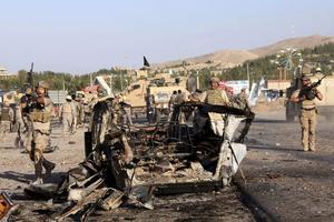 Situationen i Afghanistan är mycket oroande, skriver debattörerna.