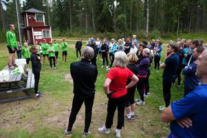 Efter uppvärmning, information och dynamiska rörlighetsövningar gav sig löparna ut i olika spår i Mellsta tillsammans med ledare från Borlänge löparklubb.