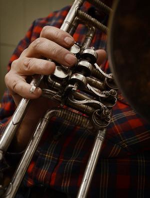 Ventilbasun är ett av instrumenten i orkestern.