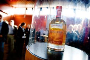 Utmärkt. Mackmyra whiskys guldregn kommer att uppmärksammas lite extra i samband med invigningen av Mackmyra svensk whiskys nya gravitationsdestilleri i Kungsbäck i december