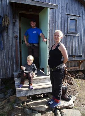 Familjen Andersson i Ohredahkes sameby har öppnat dörren för sportfisketurism. Joachim, Zara och Per Jonas satsar också på ekologisk mat och ett slags