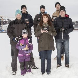 Fjolårets vinnare i STorfiskaretävlingen. Stefan Löfvenius, Hans Gustafsson, Emil Randemo, Henrik Wikström med dottern Emma, Marie Lidin och Håkan Henriksson.