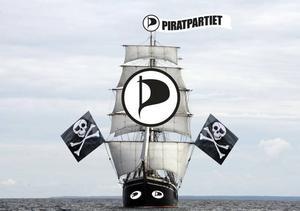 Så här såg det ut i dagens Gefle Dagblad när vi rapporterade om att Piratpartiet ger sig ut på valturné med Briggen Gerda.OBS! Bilden är ett montage.