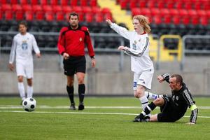 BK Björnen och ÖFK U 19 bjöd på en mycket underhållande division 4-match. Björnen hade något fler målchanser, ändå får 1–1 anses som ett relativt rättvist resultat.Foto: Anna-Karin Pernevill
