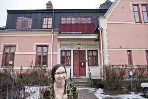 Elin Hedén är verksamhetsansvarig på Kvinnohuset säger att föreningen inte skulle klara sig utan kommunens bidrag.