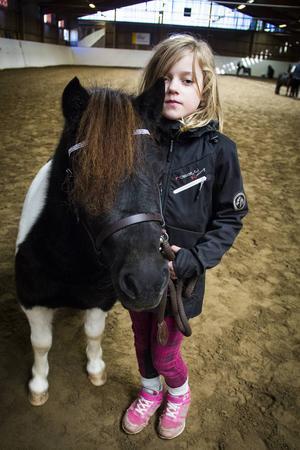 Bianca Karlmats från Borlänge med hästen Fanny af Jäboruder.