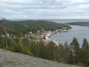 Utsikt över Ulvön från Lotsberget.