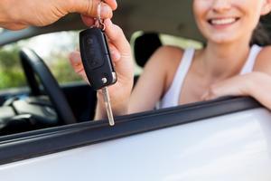 Ha koll på försäkringar och villkor så slipper du problem när du hyr bil utomlands.