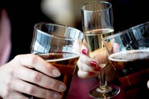 Riskbruk av alkohol minskar mest bland 16-29 åringar.