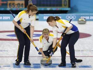 Maria Prytz från Härnösand fortsätter att imponera i OS. Mot Schweiz avgjorde hon med matchens sista sten efter en snygg dragning.