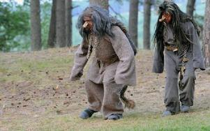 Trollen söker en brud till trollsonen Jehul. Foto: Sven Thomsen