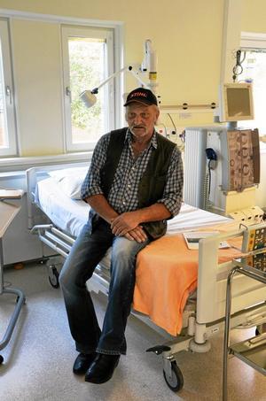 Dialyspatienten Alf Gustafsson får mycket kortare restid tack vare den nya avdelningen.