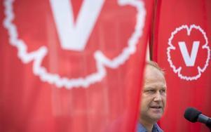 Jonas Sjöstedts V verkar inte få väljarutdelning på sin profilering mot vinster i välfärden.Foto: ROLF HÖJER / SCANPIX