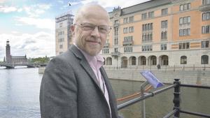 Stig Henriksson har i likhet med Vänsterpartiets 20 andra riksdagsledamöter blivit fadder till en turkisk politiker. I Henrikssons fall är det HDP-politikern Mehmet Ali Aslan, som riskerar att åtalas, enligt Henriksson
