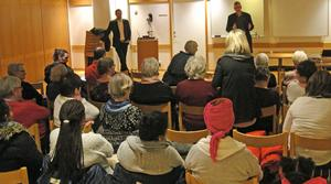 Torsdagens öppna möte om buss 514 var välbesökt. Kommunalråd Tobias Nordlander (S) och landstingsråd Tommy Levinsson (S) deltog och svarade på frågor.