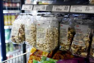 För ett tag sedan upptäckte personalen i butiken att alla pinjenötter var borta fast det inte sålts särskilt mycket av dem.