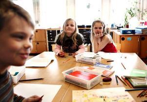 Barnen i Sylarna 2–3 på Fjällängsskolan är nästan färdiga med sina teckningar till årets Påsk i färg.