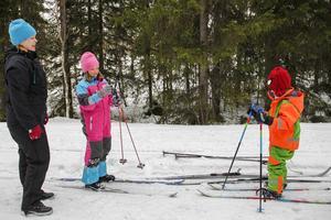 Lillemor Nordqvist från Hamra tog med barnen Elsa och Elmer för att testa de nya spåren.