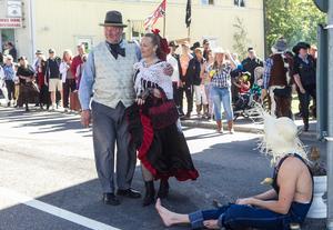 Troligtvis rekordmånga besökare kom för att fira westerndagen och att se Peacemakers bland många andra evenemang under dagen.