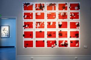 25 verk eller ett. Modhir Ahmed bygger ofta ihop flera verk till ett.