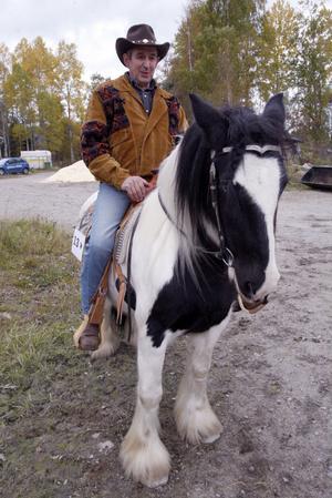 Inge Mårtensson på Indra är snart på väg in i tävlingsmanegen.