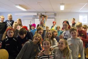 År fem och sex på Enångers skola jobbar med tema Anti mobbning och fick lyssna på en föreläsning Elisabeth Pipping.