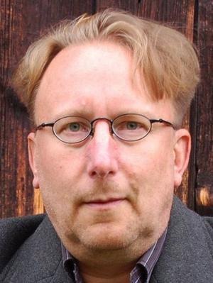 Kulturskribenten Björn Gustavsson har samlat texter från DD:s kultursidor till en ny bok. Foto: Katarina Cham/Arkiv