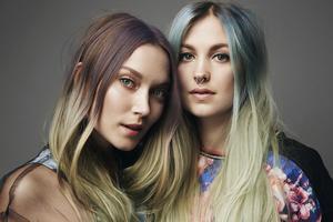 DJ-duon Sharks, Susanna Friberg & Sophia Englund, är färdiga för Hudikkalaset.